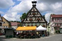 Buergertreff2010_Festplatz_vor_dem_Rathaus