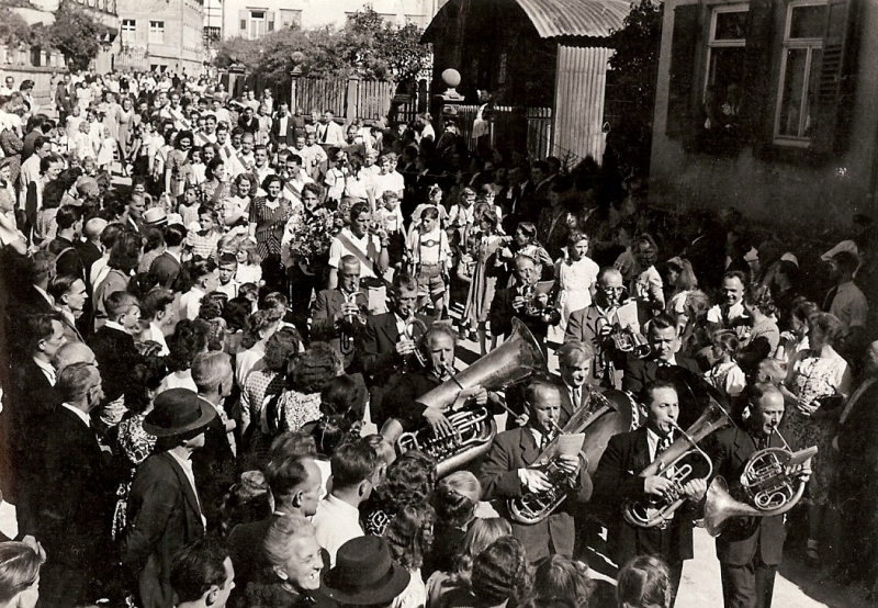 Umzug bei Kirchweih 1949