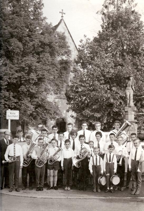 60-jähriges Jubiläum 1963 - Jugendkapelle mit Dirigent Pfeiffer