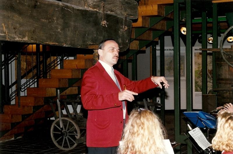Konzert im Weinbaumuseum mit Dirigent Hörz 1996